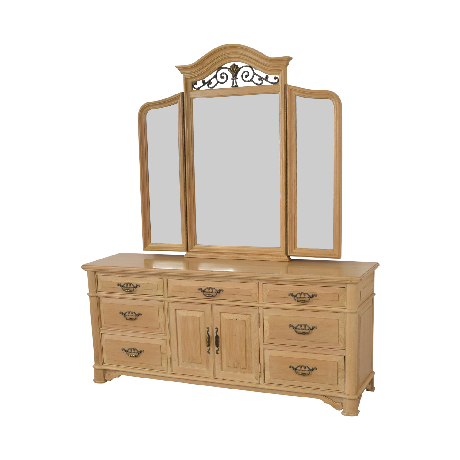 Thomasville Triple Dresser with Mirror / Storage