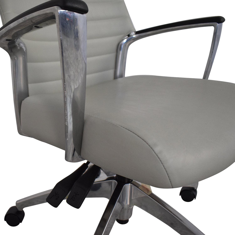 Global Global Accord Upholstered Medium Back Tilter Chair used