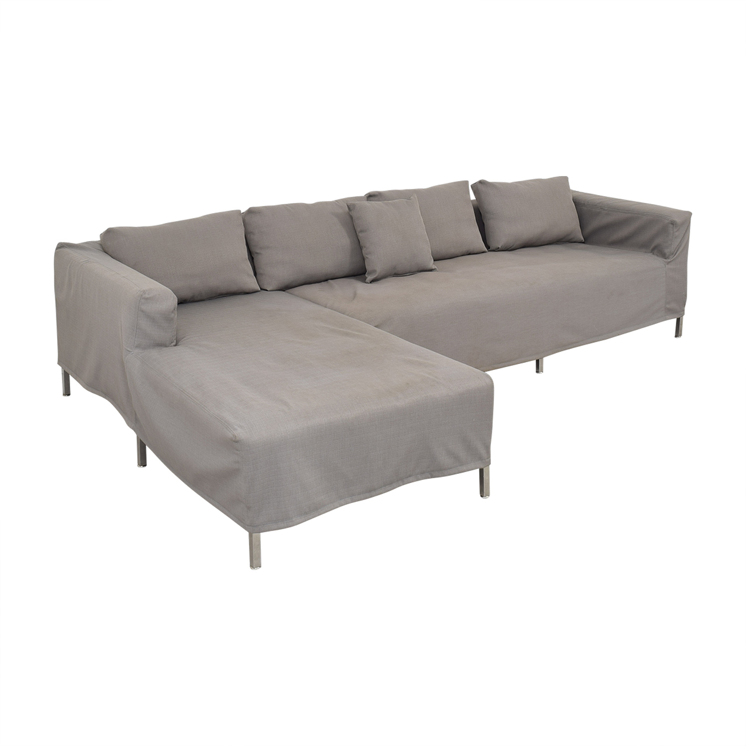 Gus Modern Sectional Sofa with Chaise / Sectionals