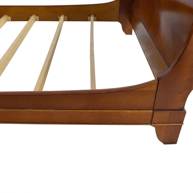 Grange Queen Sleigh Bed / Bed Frames