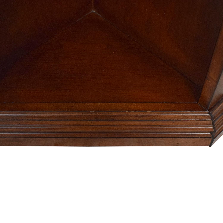 Hooker Furniture Hooker Corner Bookcase brown