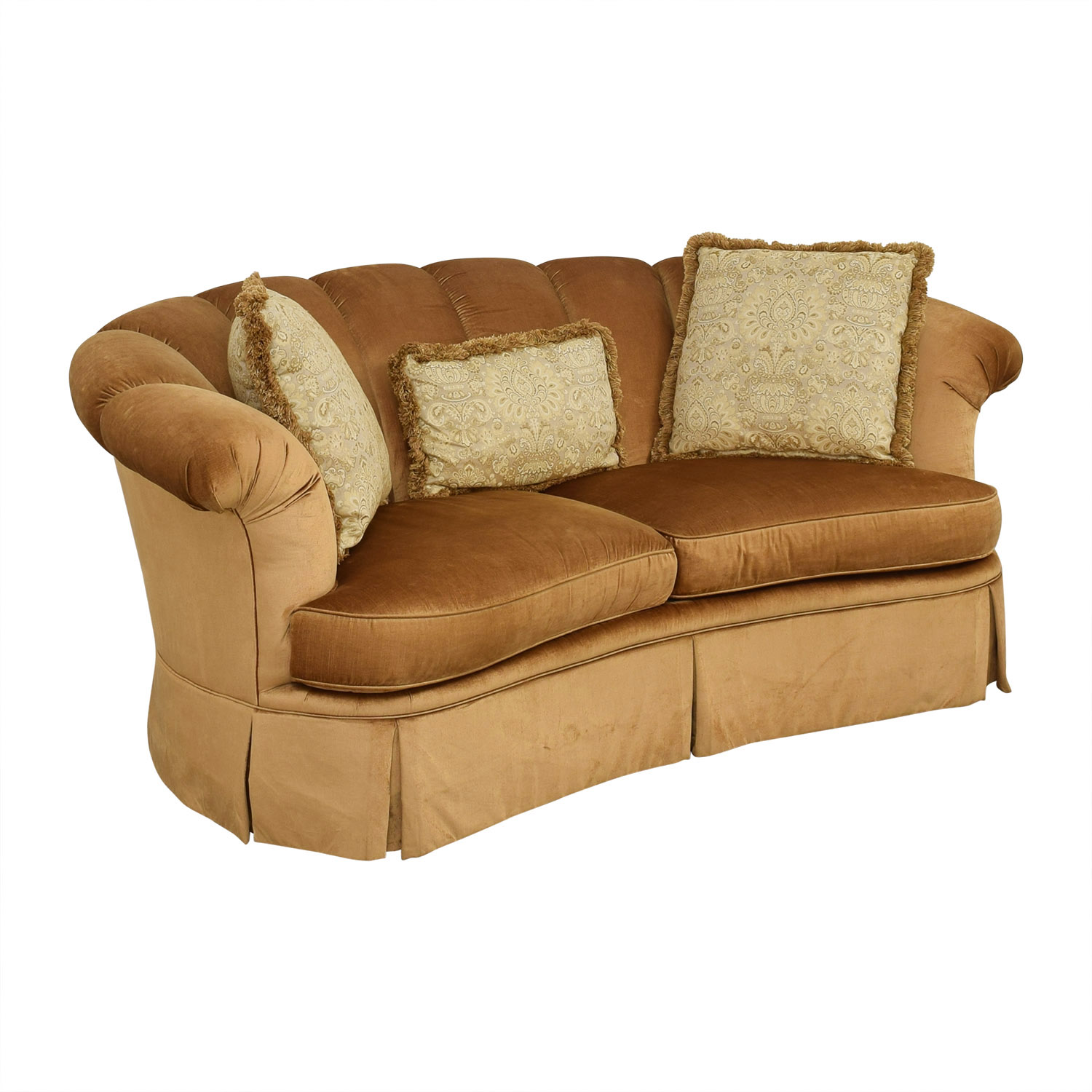 Highland House Furniture Highland House Scalloped Sofa ct