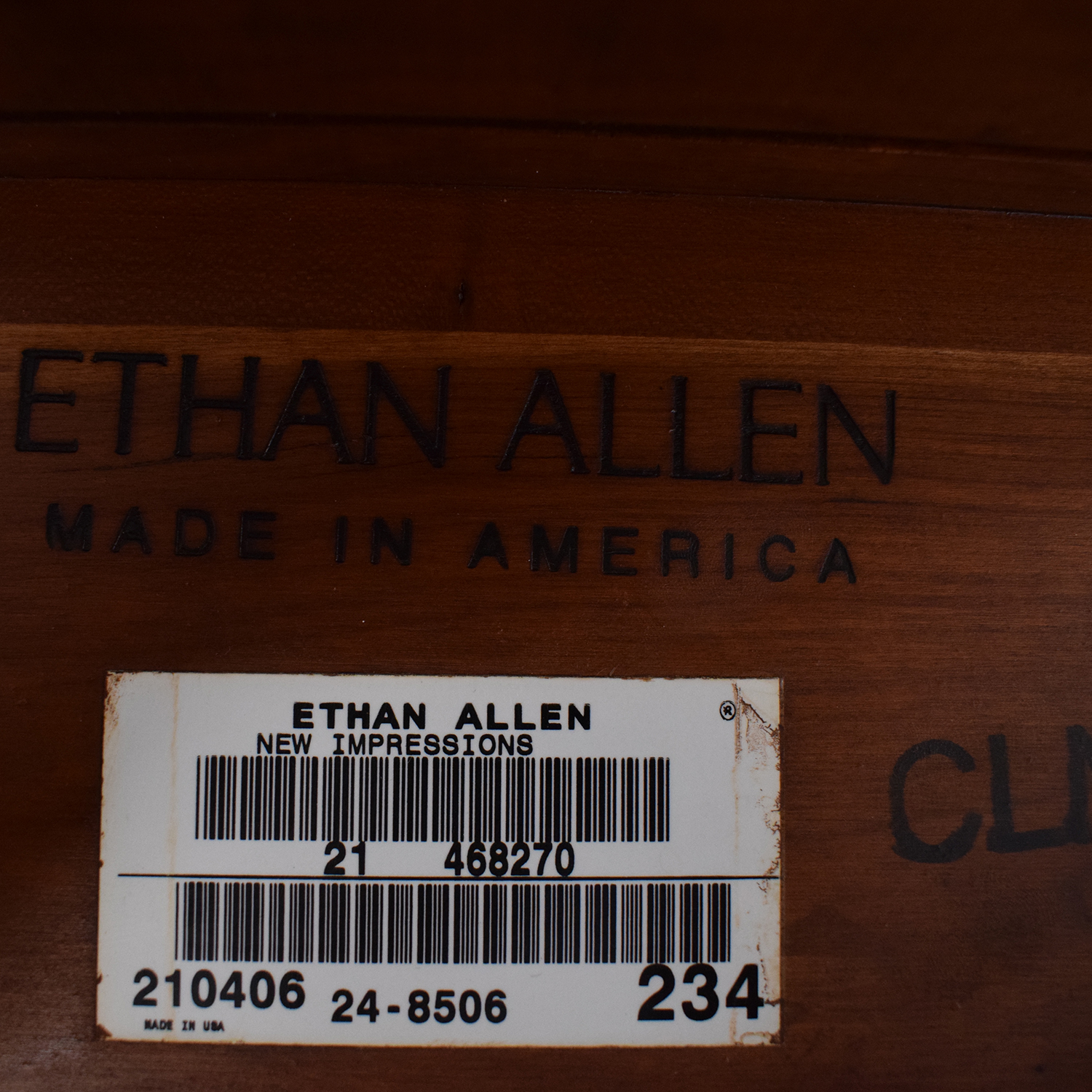 Ethan Allen Ethan Allen End Table nyc