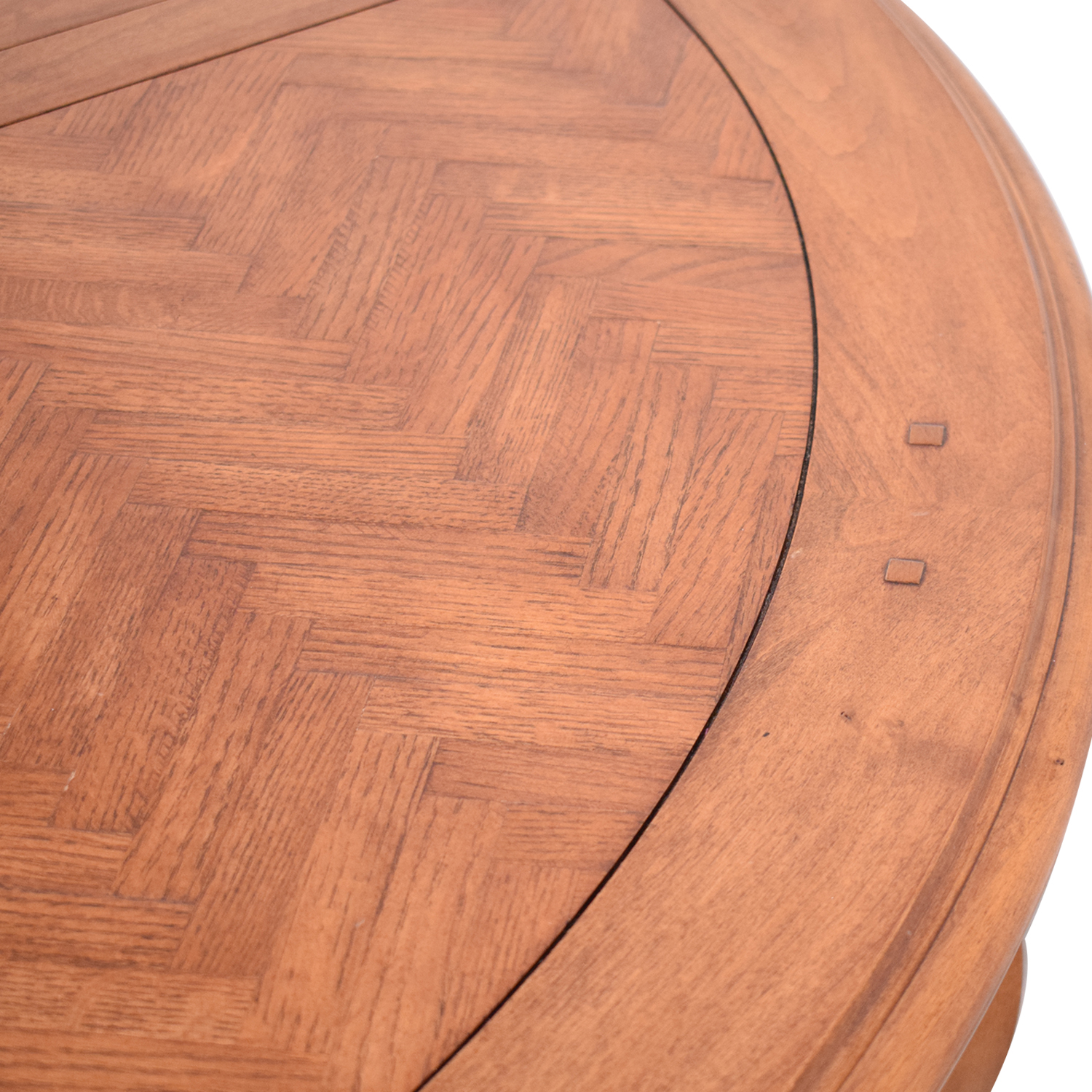 Round Dining Table ct