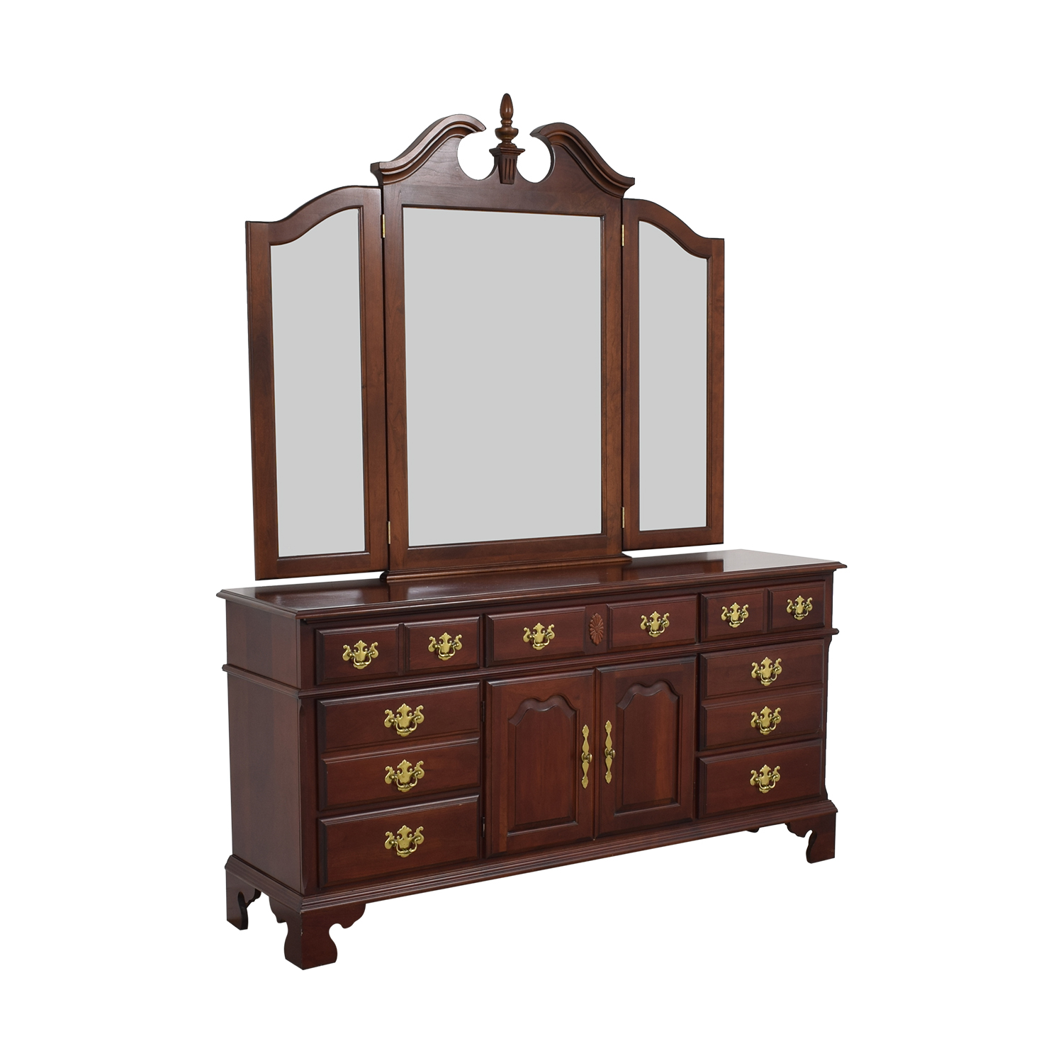 Pennsylvania House Seven Drawer Dresser with Cabinets / Storage
