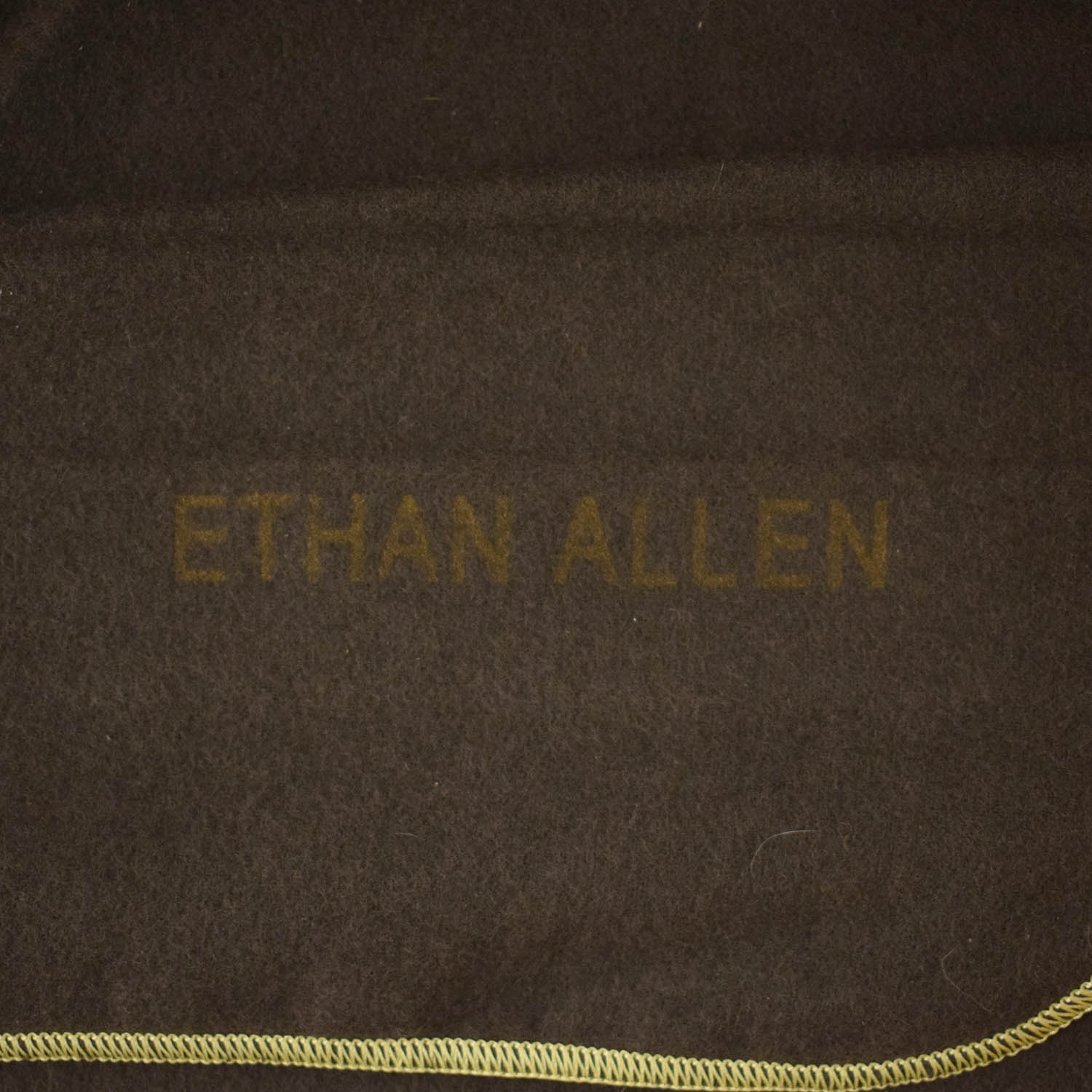 buy Ethan Allen Goodwin Dining Table Ethan Allen Dinner Tables