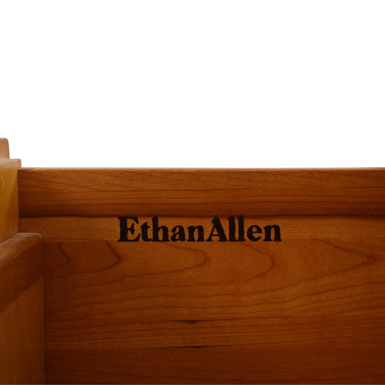 Ethan Allen Ethan Allen Bedroom Dresser with Vanity dimensions