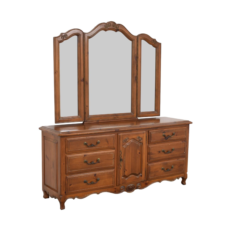 Ethan Allen Ethan Allen Bedroom Dresser with Vanity ma
