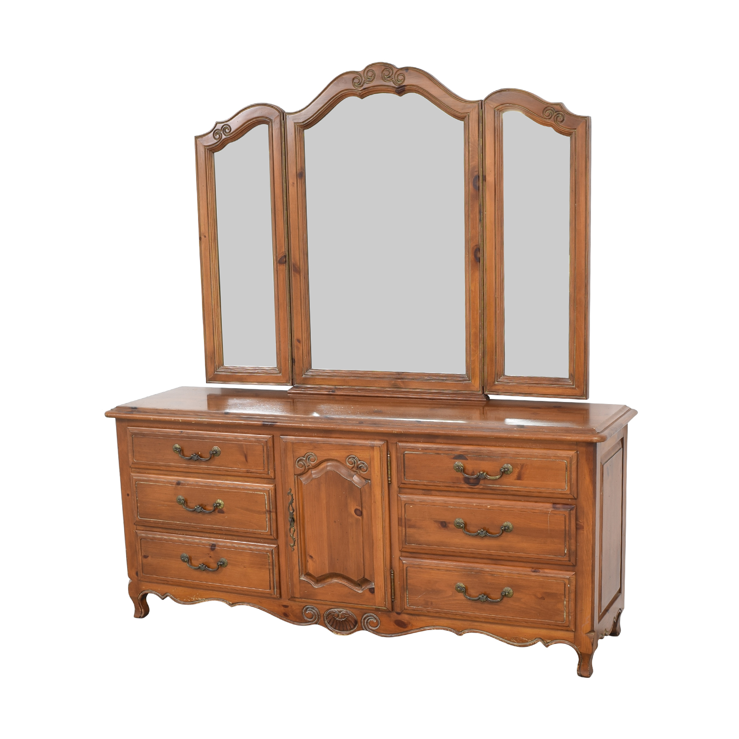 90 Off Ethan Allen Ethan Allen Bedroom Dresser With Vanity Storage