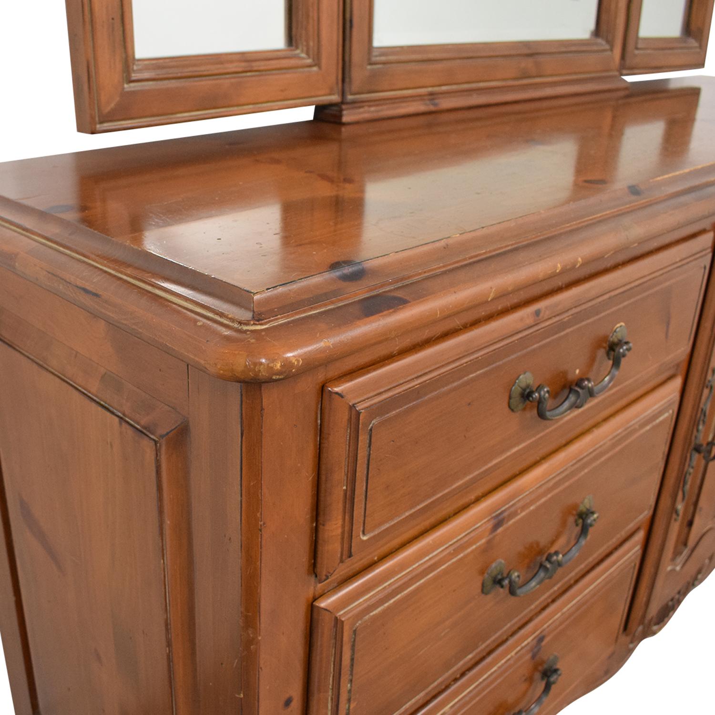 Ethan Allen Ethan Allen Bedroom Dresser with Vanity discount