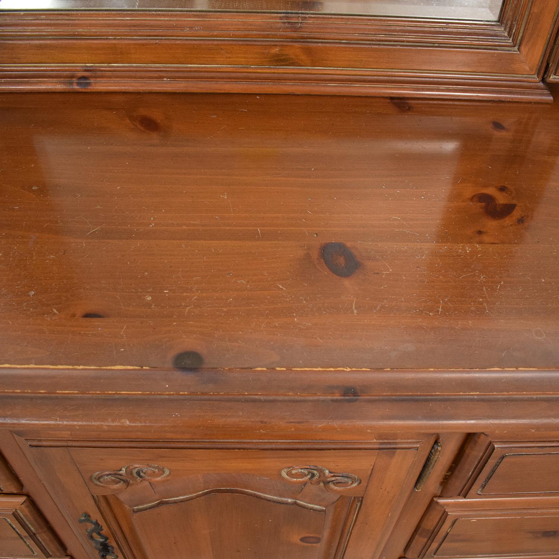 Ethan Allen Ethan Allen Bedroom Dresser with Vanity