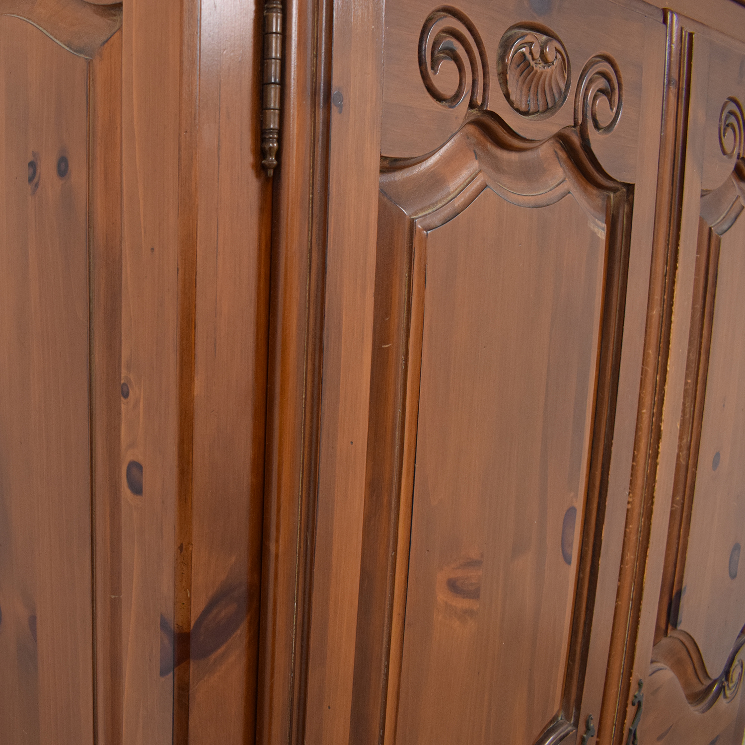 Ethan Allen Ethan Allen Country French Armoire brown