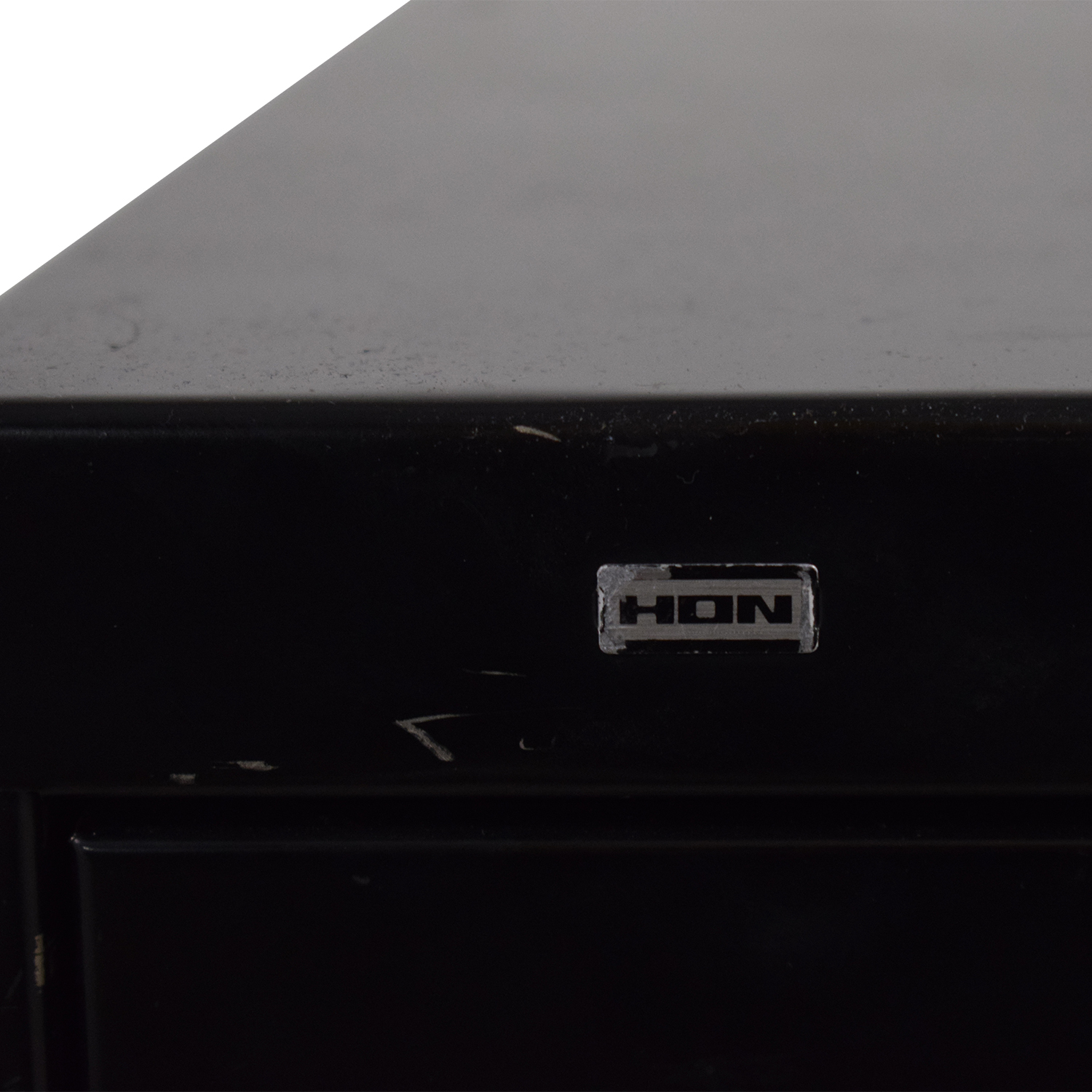 HON 2-Drawer Lateral File Cabinet / Storage