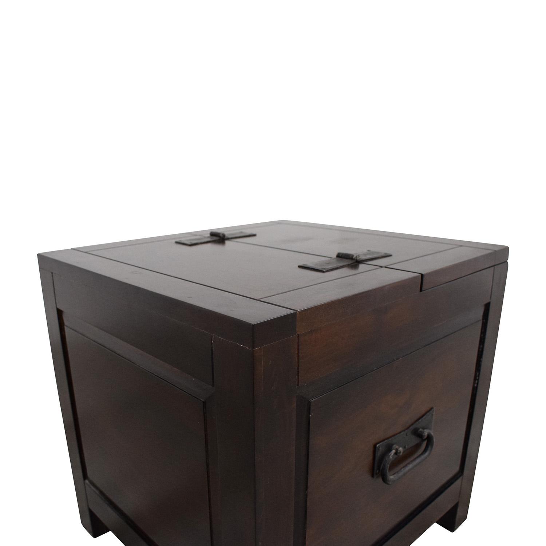 Crate & Barrel Crate & Barrel Side Trunk pa