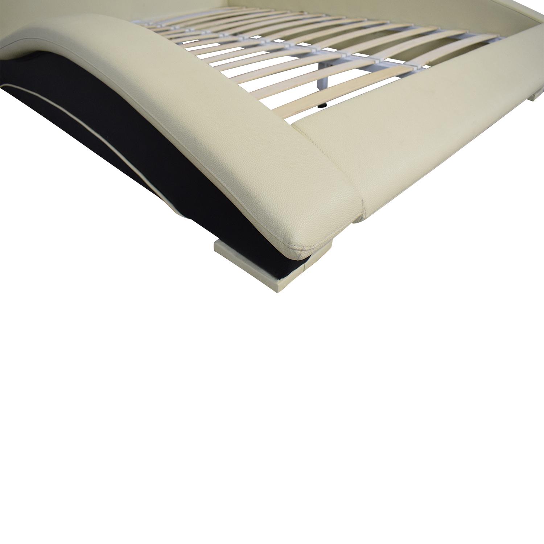 Matisse Company Matisse Napoli Platform Bed used